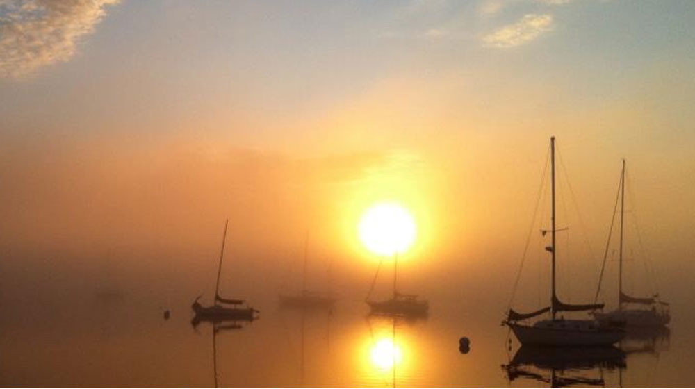 foggy-sunset-at-robinhood-marina